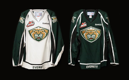 Everett Silvertips new logo jerseys